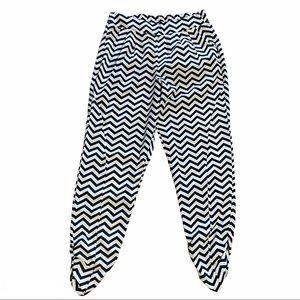 🌈BUNDLE SALE Cream & Black Chevron Pleated Pants